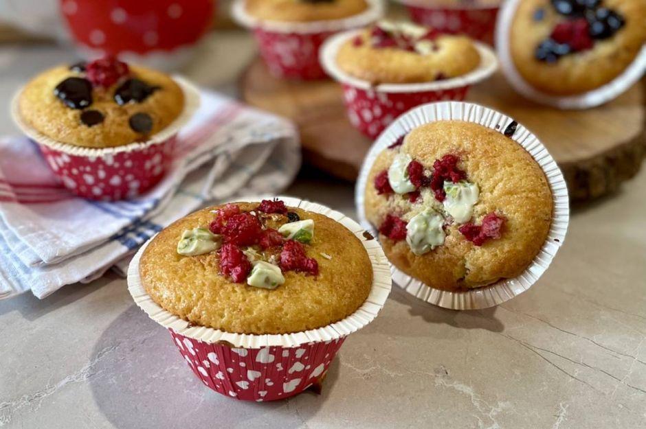 https://yemek.com/tarif/badem-unlu-muffin/ | Badem Unlu Muffin Tarifi