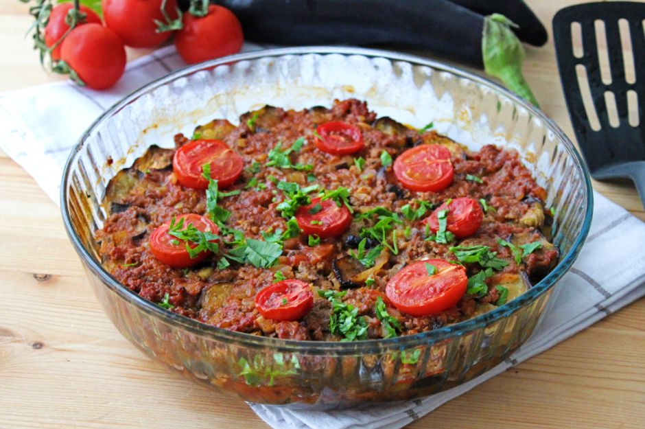 https://yemek.com/tarif/kizartmadan-patlican-musakka/   Kızartmadan Patlıcan Musakka Tarifi