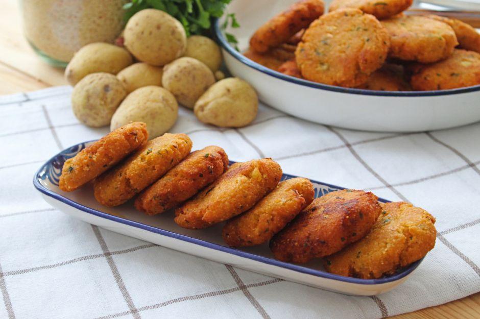 https://yemek.com/tarif/tarhanali-patates-koftesi/ | Tarhanalı Patates Köftesi Tarifi