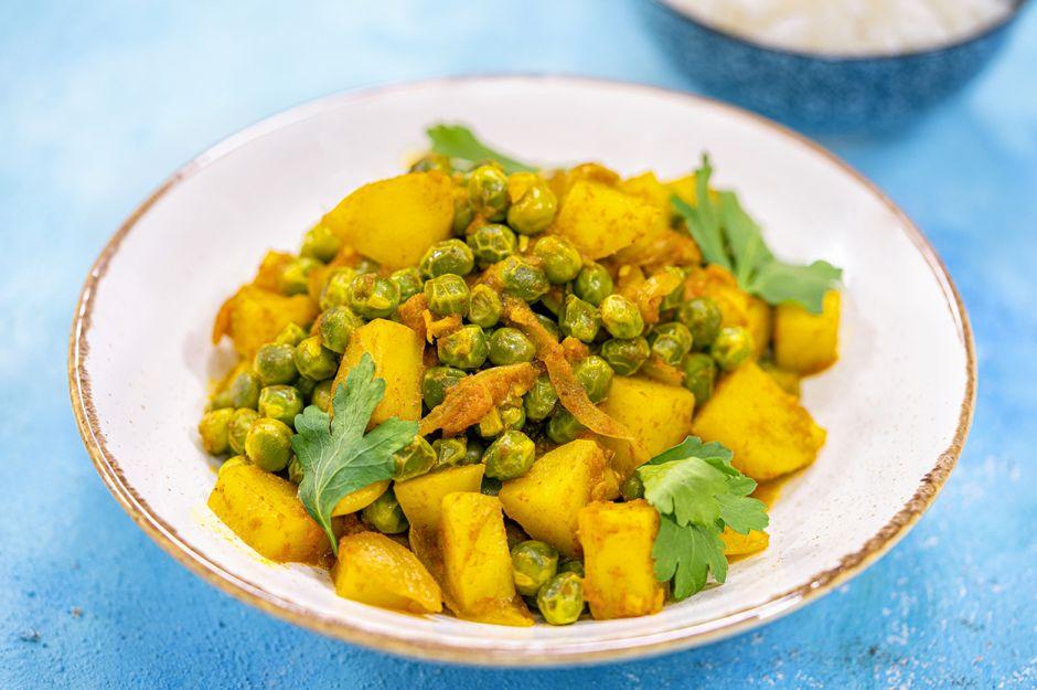 https://yemek.com/tarif/patatesli-ve-bezelyeli-curry/   Patatesli ve Bezelyeli Curry Tarifi
