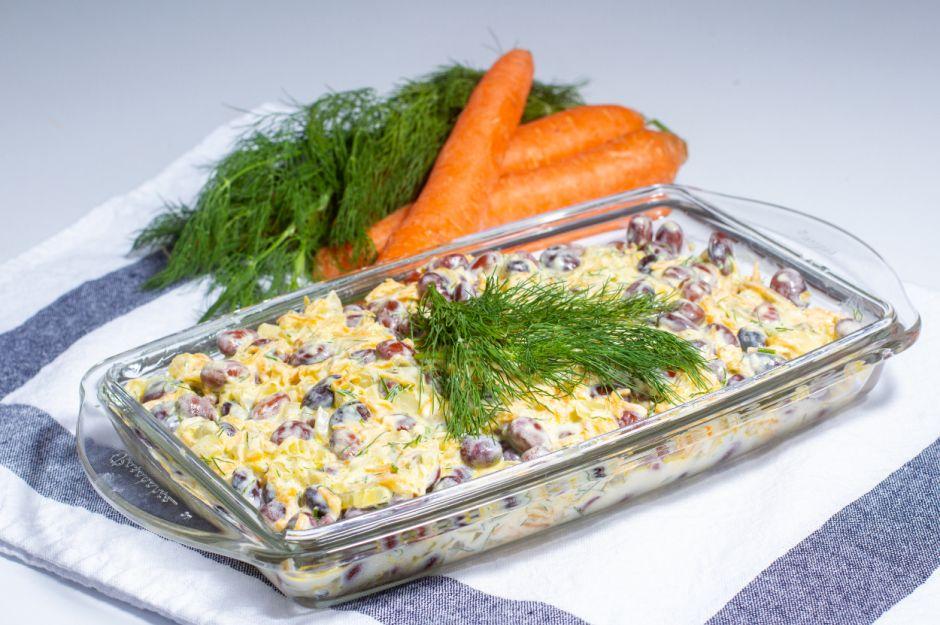 https://yemek.com/tarif/yogurtlu-barbunya-salatasi/ | Yoğurtlu Barbunya Salatası Tarifi