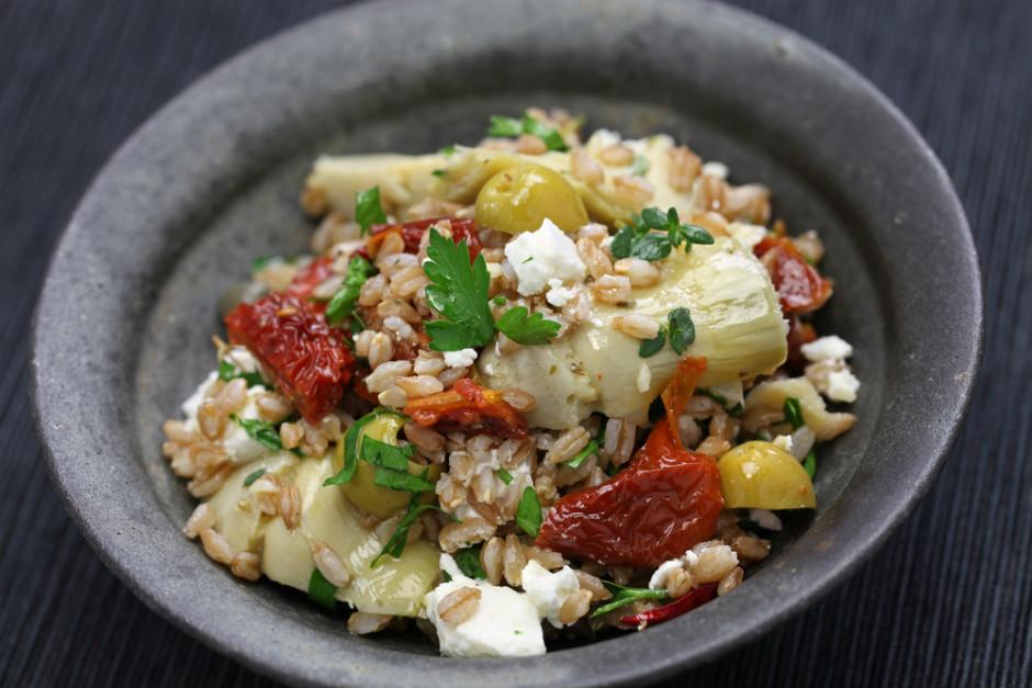 Buğdaylı Enginar Kalbi Salatası