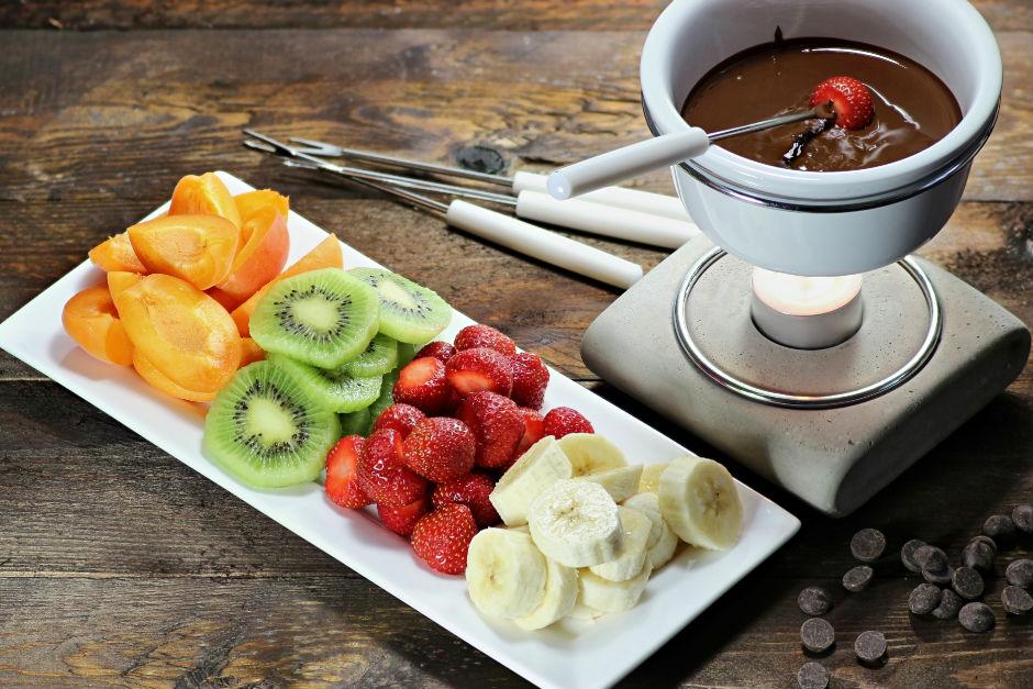 Meyveli Çikolata Fondüsü Tarifi