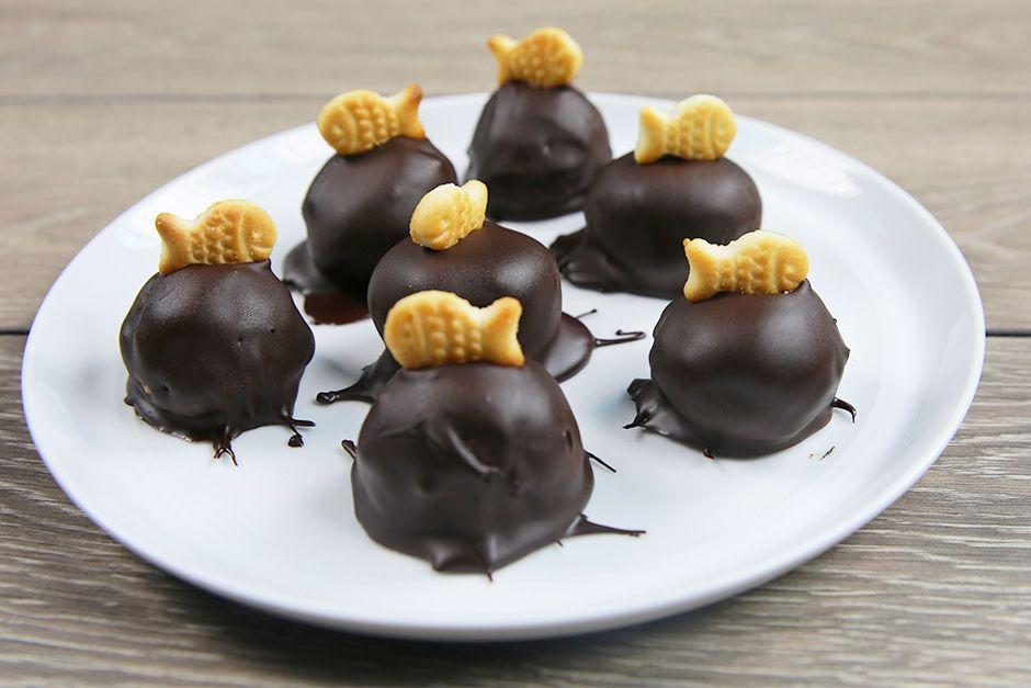 Balık Krakerli Çikolata Topları Tarifi