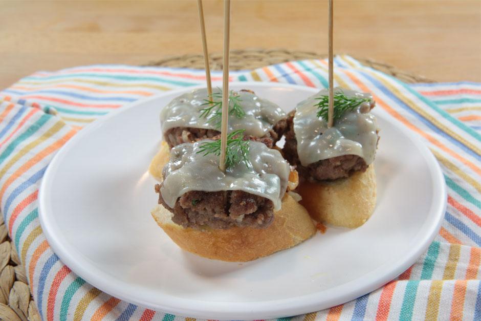 kofteli-kanepe