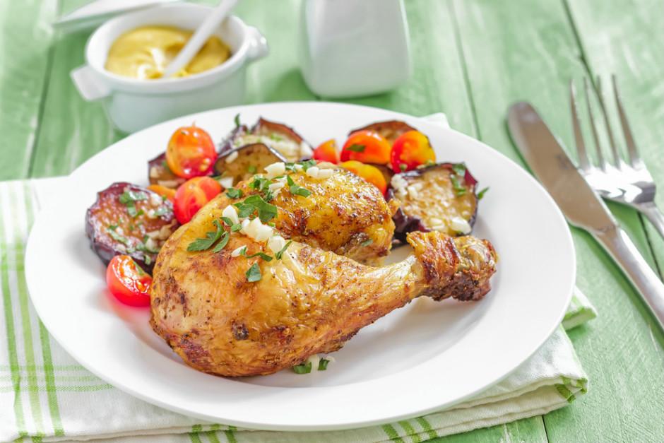 Fırında Patlıcanlı Tavuk But Tarifi
