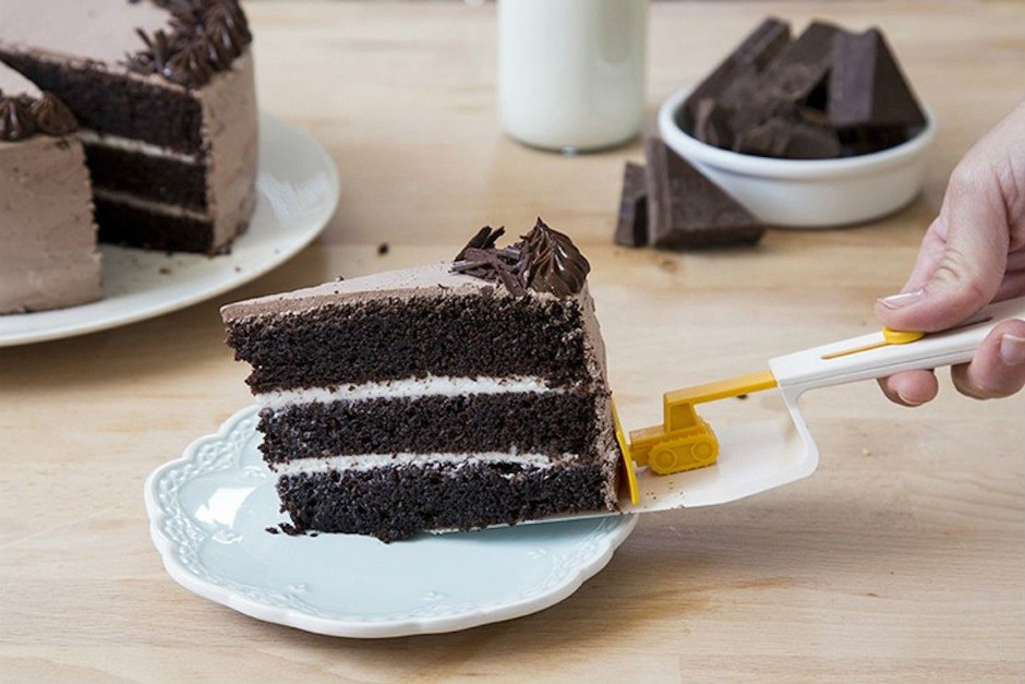 kek-dilimini-kolayca-servis-one-cikan