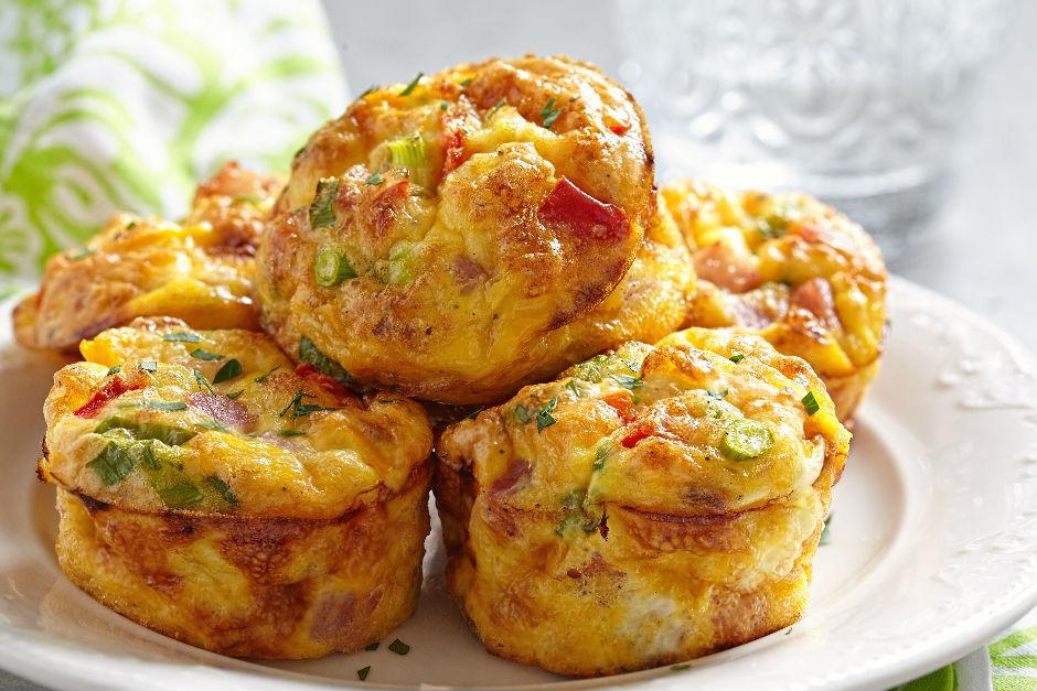 Salamlı Kahvaltılık Muffin Tarifi