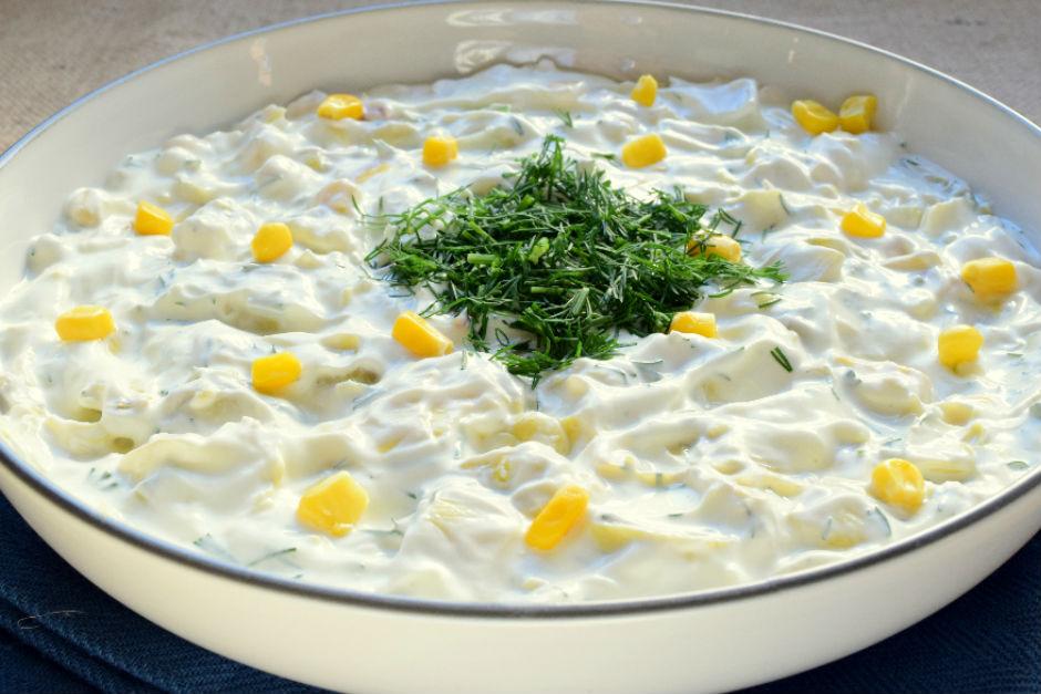 Yoğurtlu Enginar Kalbi Salatası Tarifi