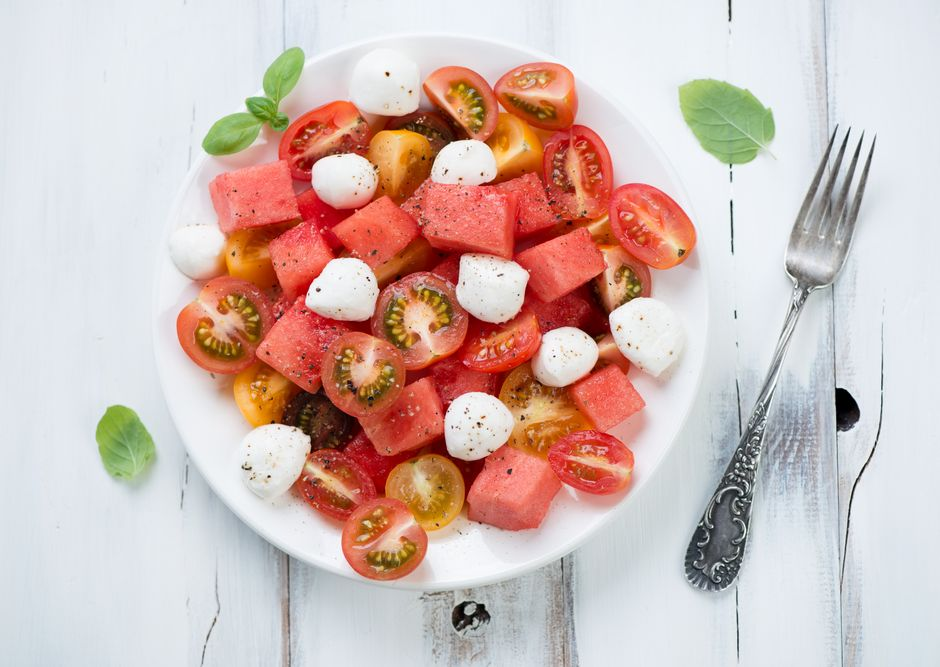 Karpuzlu Domates Salatası