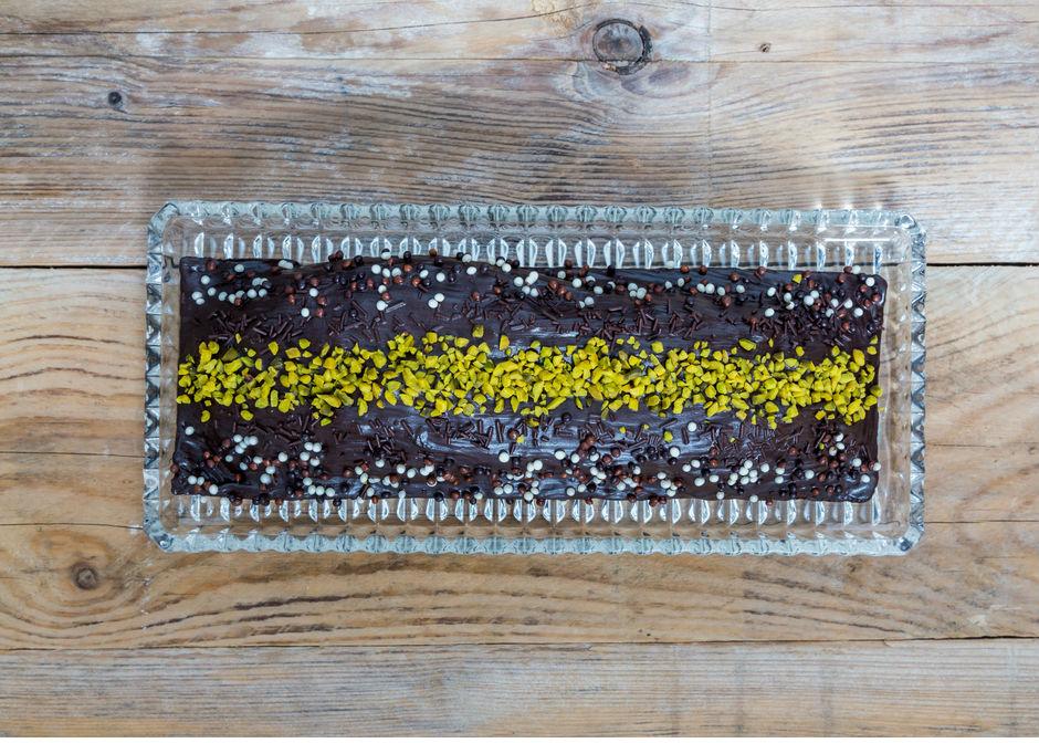 Antep Fıstıklı Nutellalı Kek Tarifi