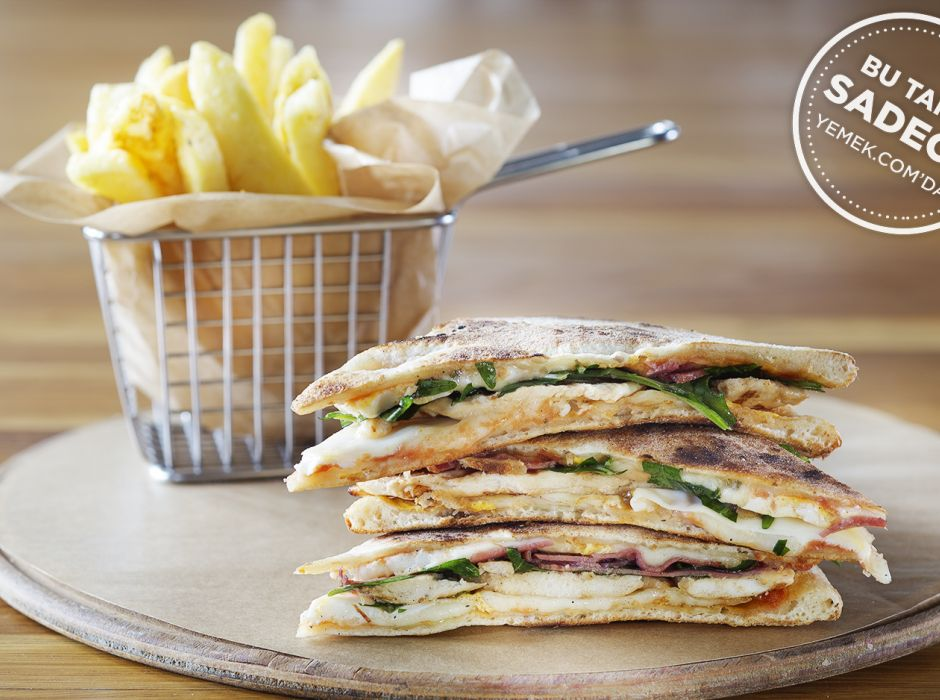 Kitchenette Pizza Club Sandwich Tarifi