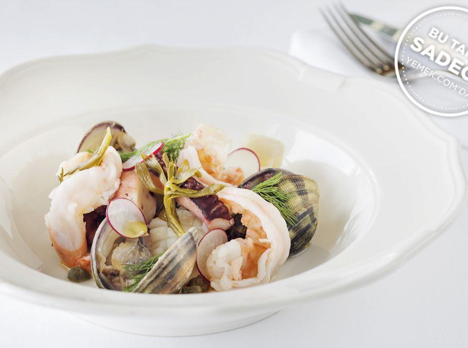 Raika Balıkçı Salatası Tarifi