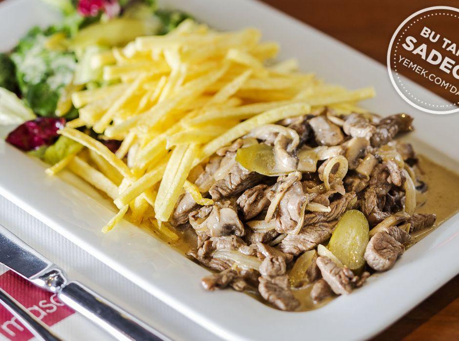 Beef Stroganoff Salatası Tarifi