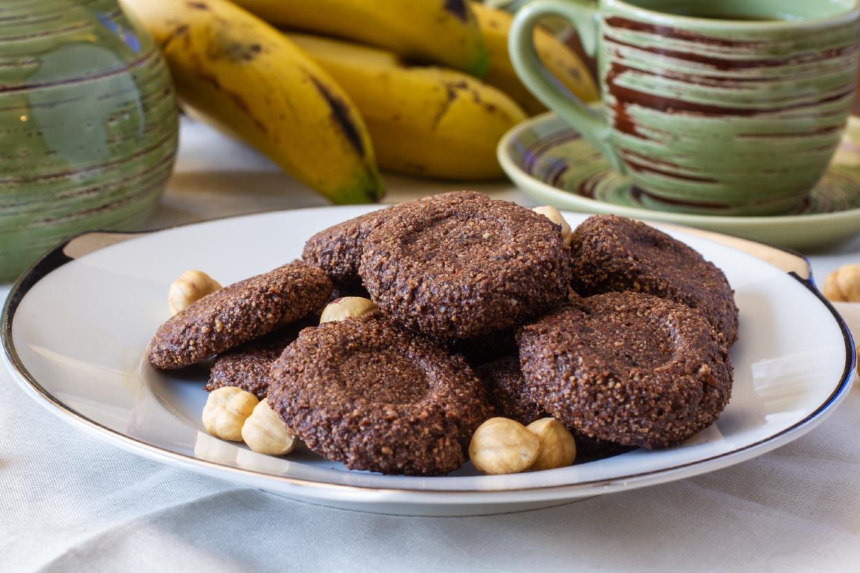 https://yemek.com/tarif/uc-malzemeli-sekersiz-kurabiye/ | Üç Malzemeli Şekersiz Kurabiye Tarifi