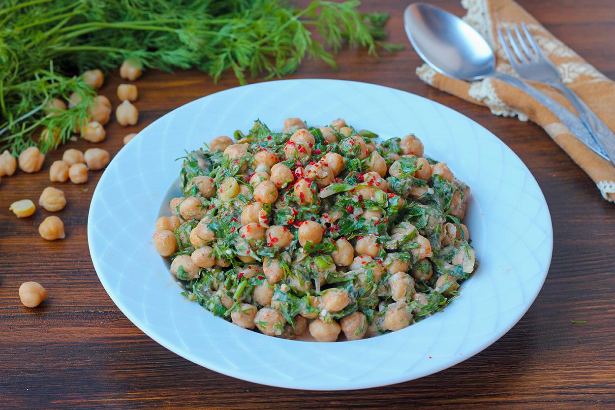 https://yemek.com/tarif/tahinli-nohut-salatasi/ | Tahinli Nohut Salatası Tarifi