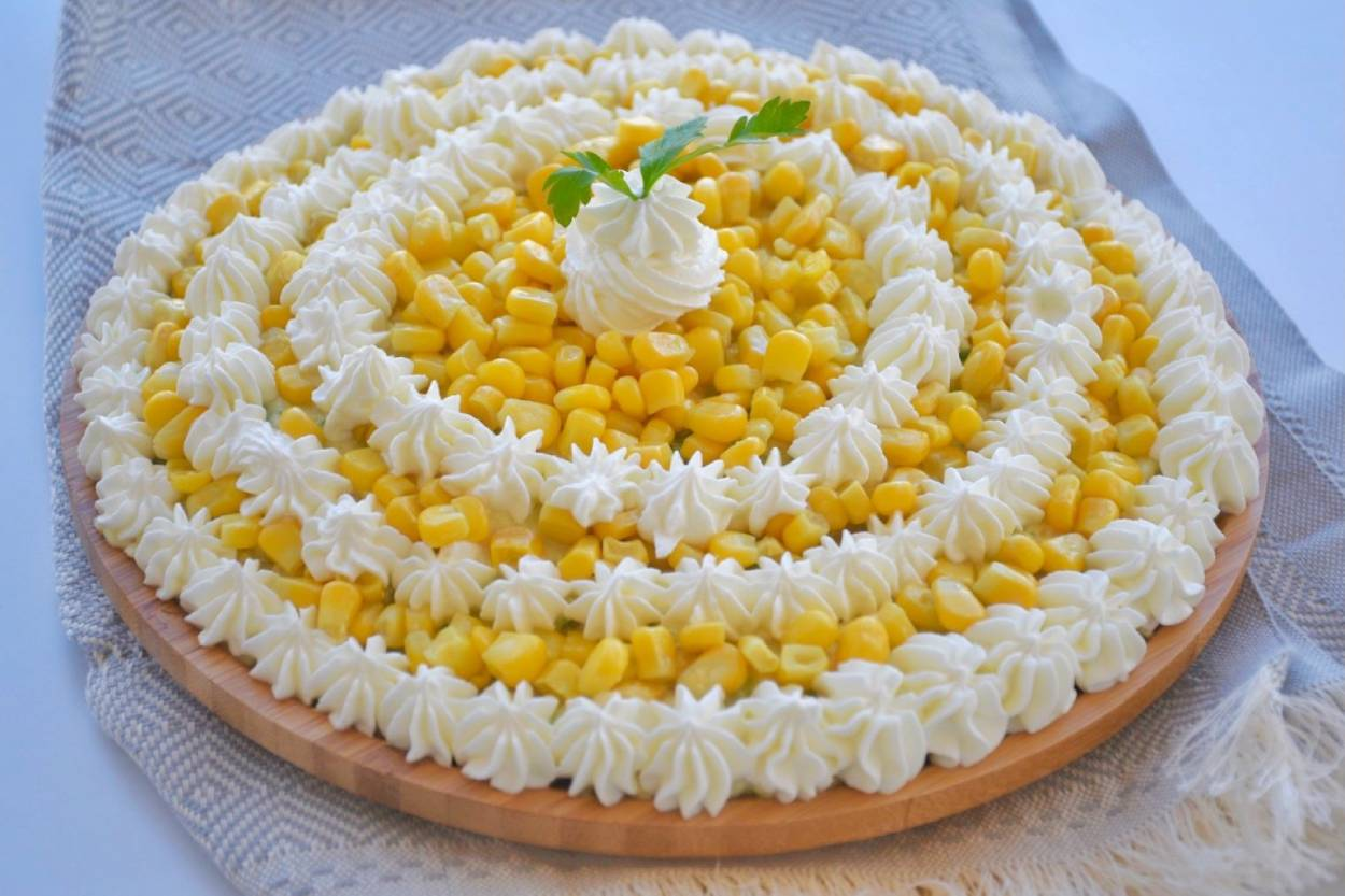 https://yemek.com/tarif/tavuklu-patates-salatasi/ | Tavuklu Patates Salatası Tarifi
