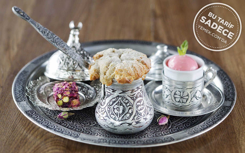 https://yemek.com/tarif/izaka-restaurant-tahinli-akitma/ | Fotoğraf: Özgür Bakır / Tahinli Akıtma Tarifi