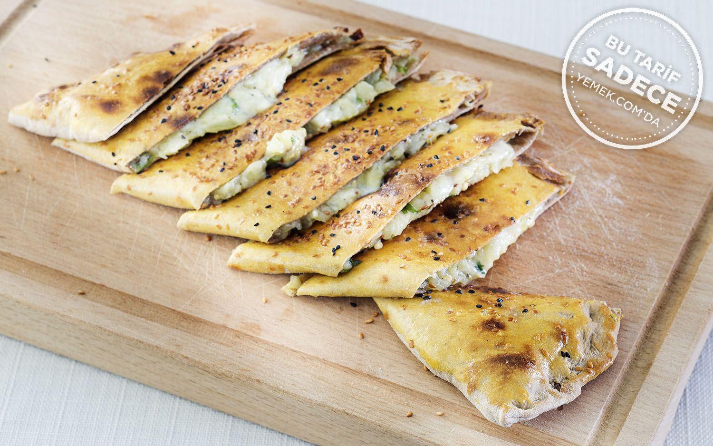 https://yemek.com/tarif/kosebasi-patlicanli-pide/ | Patlıcanlı Pide Tarifi