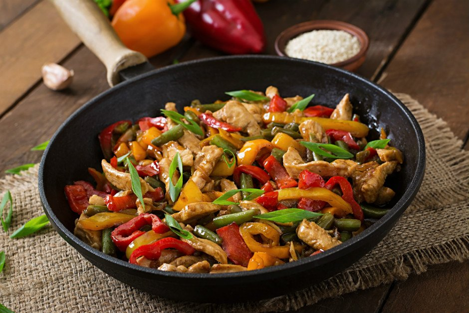 sebzeli tavuk sote 12 Tane Basit, Hızlı ve Doyurucu Sulu Yemek Tarifleri