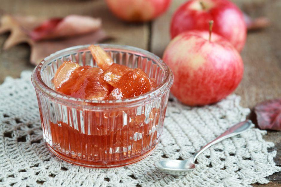 Lezzetli ve hızlı kurabiyeler Dakika ile elma reçeli