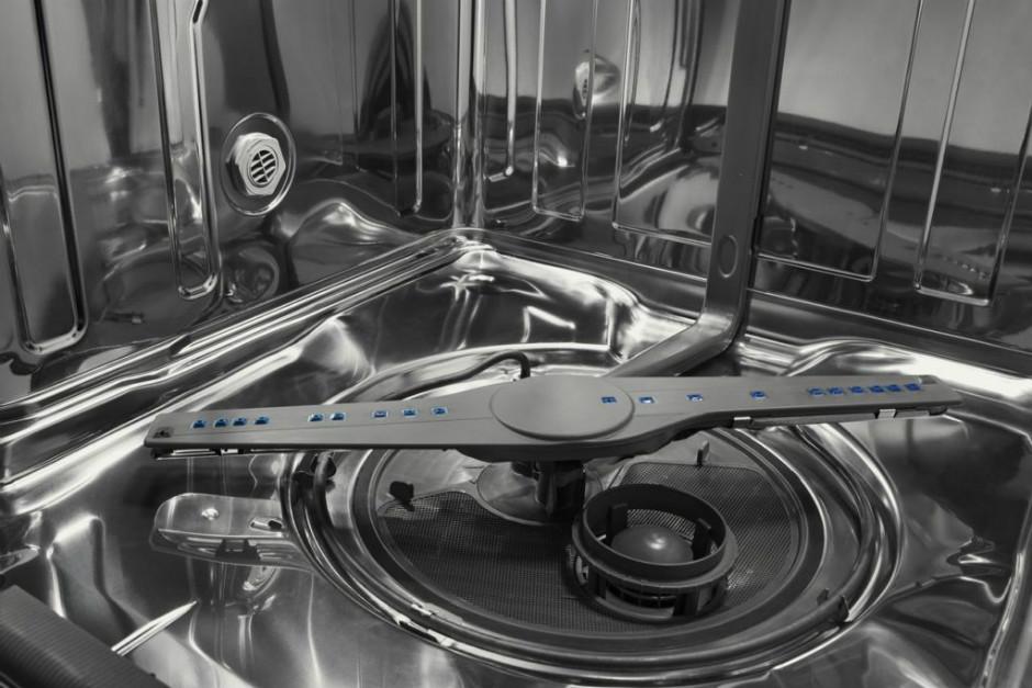 2 Doğal Malzeme ve 4 Basit Adımla Bulaşık Makinesi Kireci Nasıl Kolayca Temizlenir?
