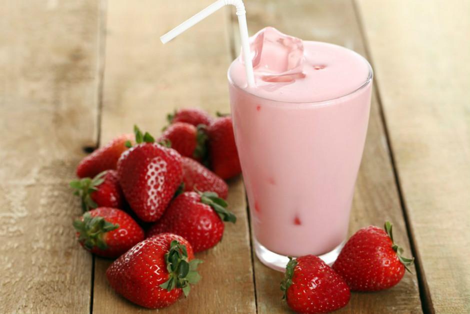 Çilekli Yoğurtlu, Marshmallow Milkshake Tarifi