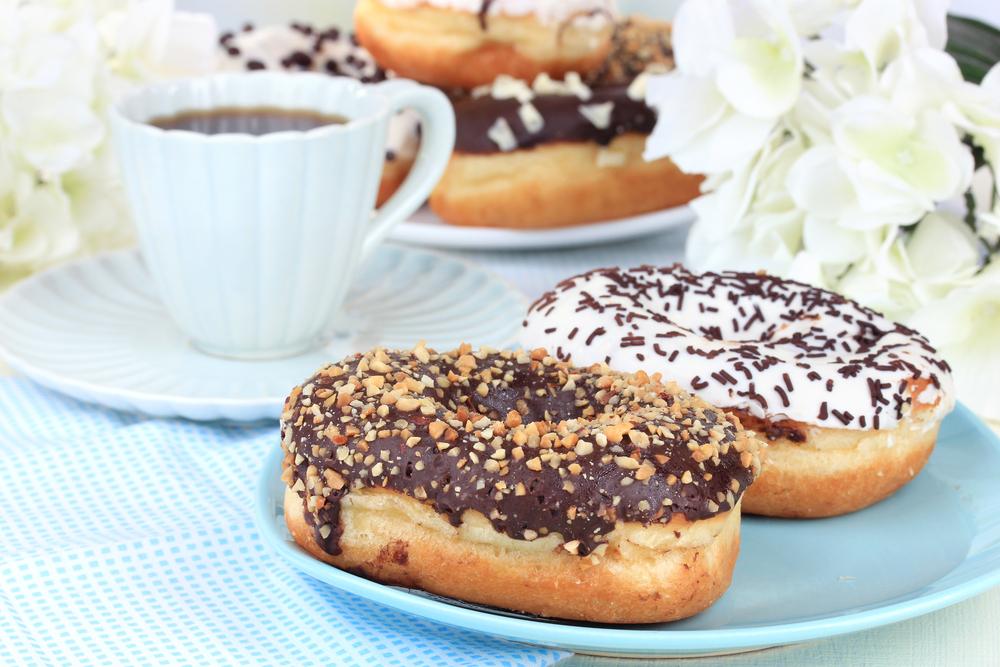 Ev Yapımı Çikolatalı Donut Tarifi
