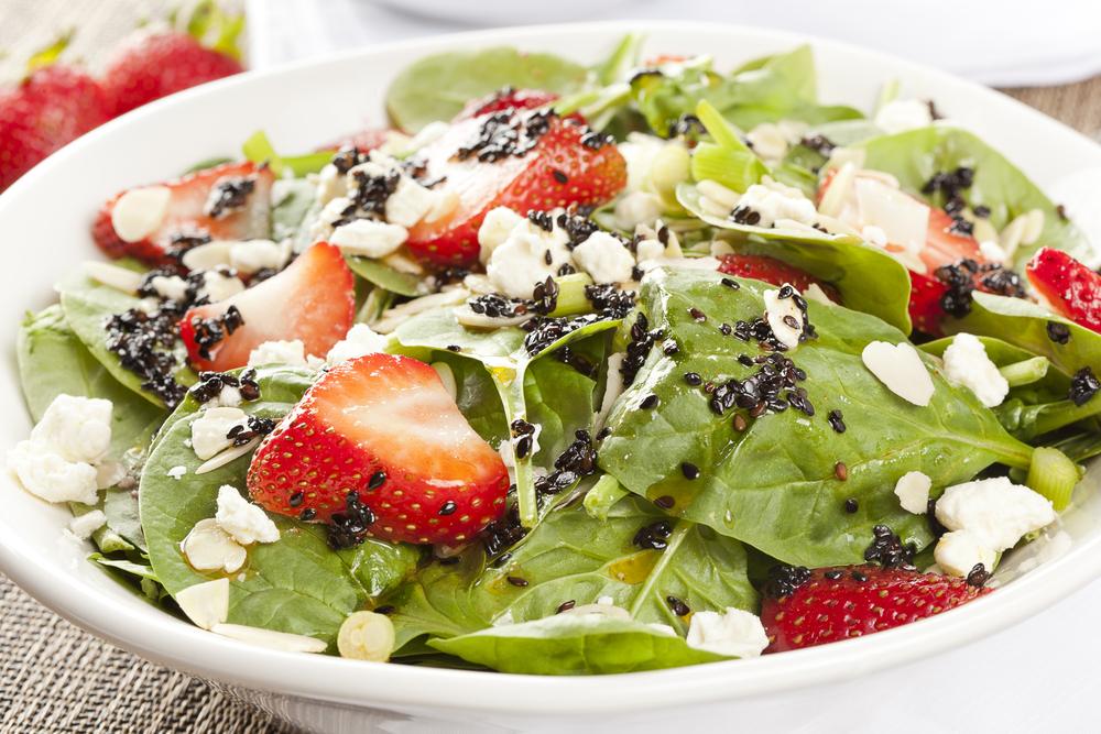 Kuru Yemişli Ispanak Salatası