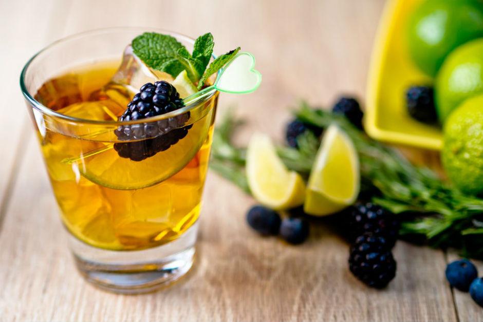 Lime Dilimli Buzlu Yeşil Çay Tarifi