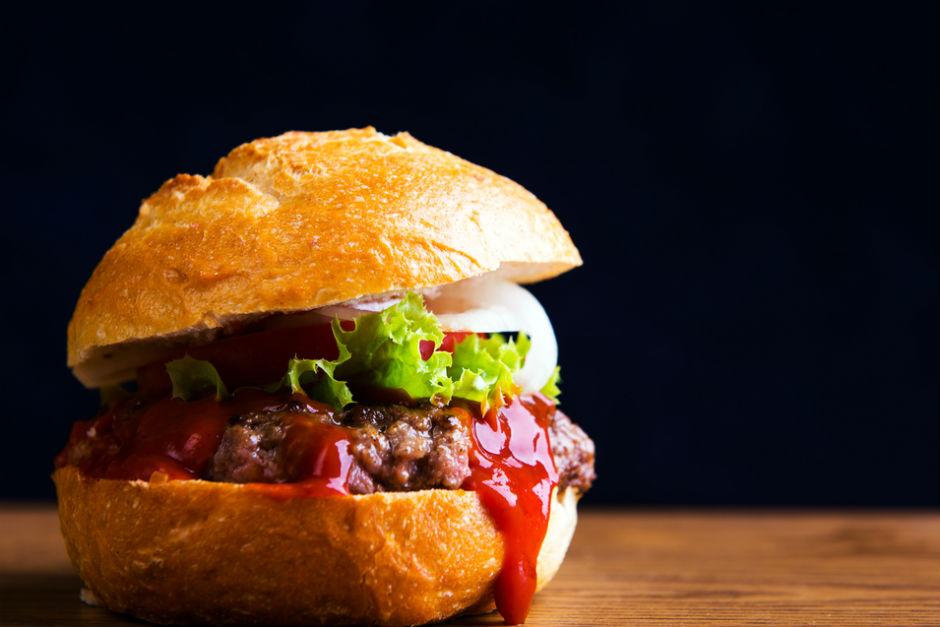 Domates Soslu Hamburger Tarifi