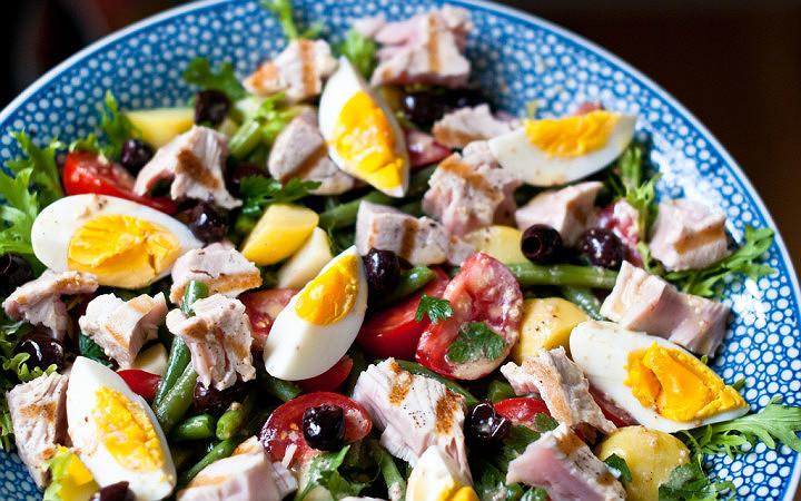 nicoise-salatasi-salata-manset