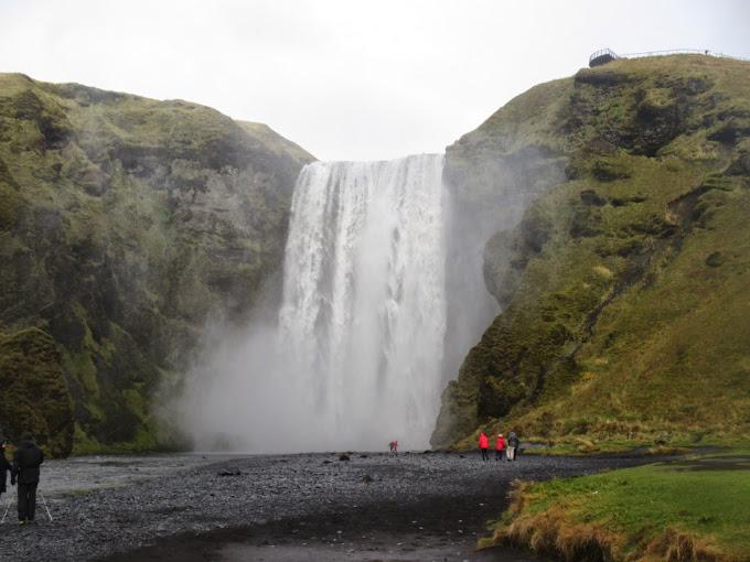İzlanda Skogafoss Şelalesi