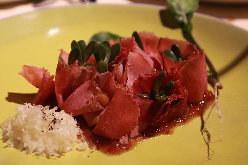 Fotoğraf: Cem Karakuş - pastırma, kuru et, incir sirkesi kreması, rakı & incir reçeli / neolokal