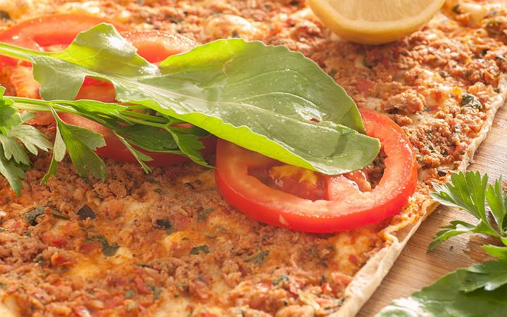 lahmacun-domates-yesillik
