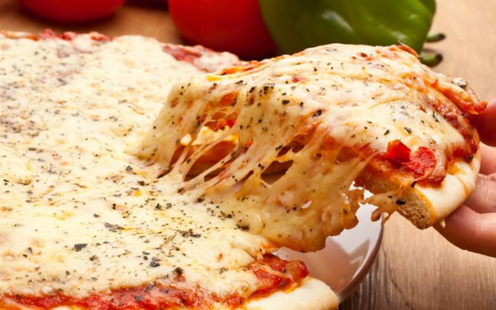 mozzarella-peynir-pizza-1
