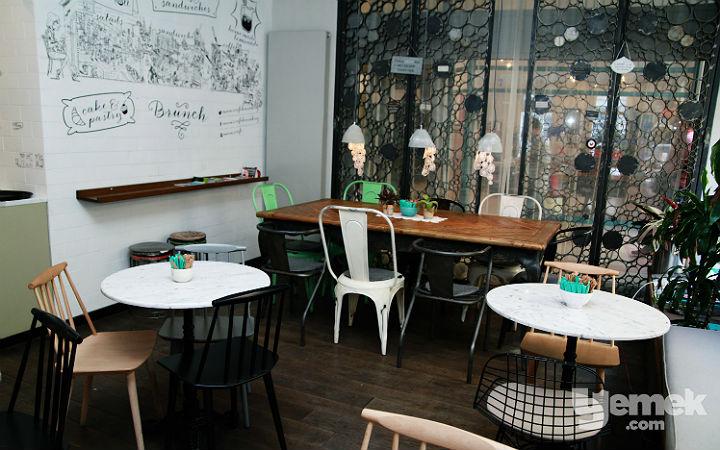 Mum's Cafe Salon