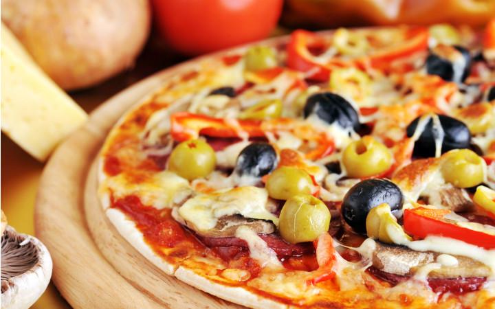pizza-yesil-siyah-zeytin-1-2