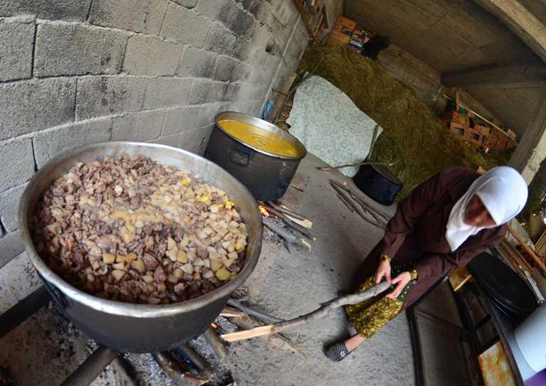 http://www.dunyabulteni.net/haber/220967/bulgaristanda-gunde-5-mukabele-okunan-cami | dunyabulteni - bulgaristan güveci türk yemekleri