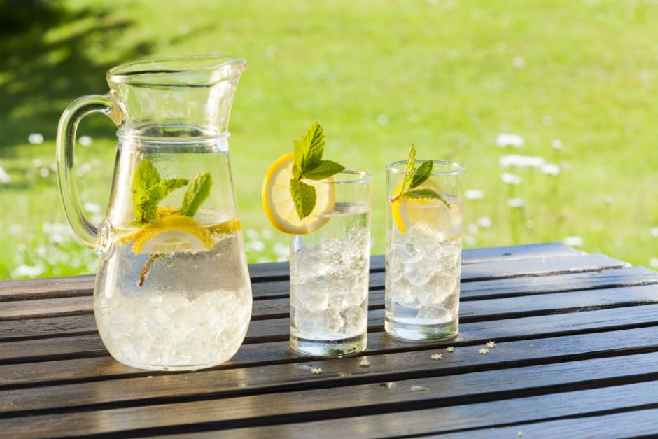 limonlu-su-seluliti-engelliyor-yeni