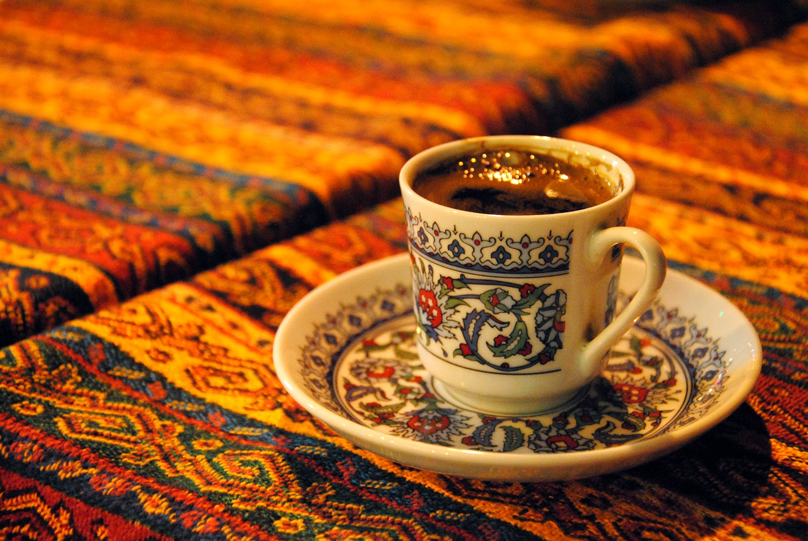 turk-kahvesi-icmenin-adabi
