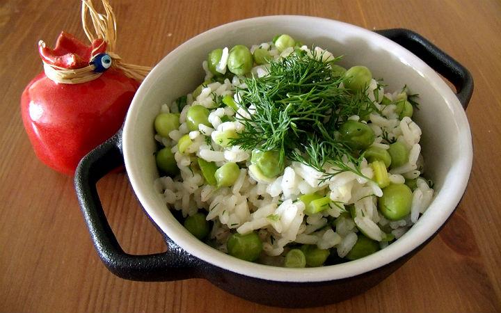 Zencefil Soslu Pirinç Salatası