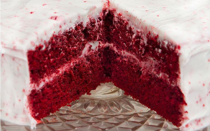 Red Velvet (Kadife Dokulu, Kırmızı) Pasta Tarifi