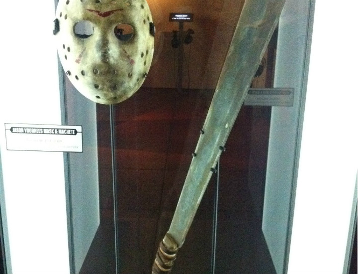 13. Cuma Jason Voorhees'in maskesi ve palası