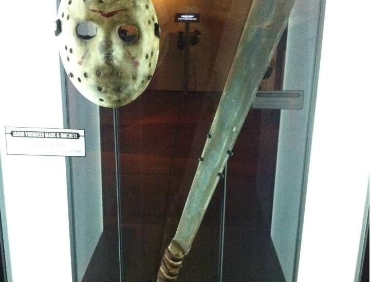 13. Cuma Jason Voorhees'in maskesi ve palası