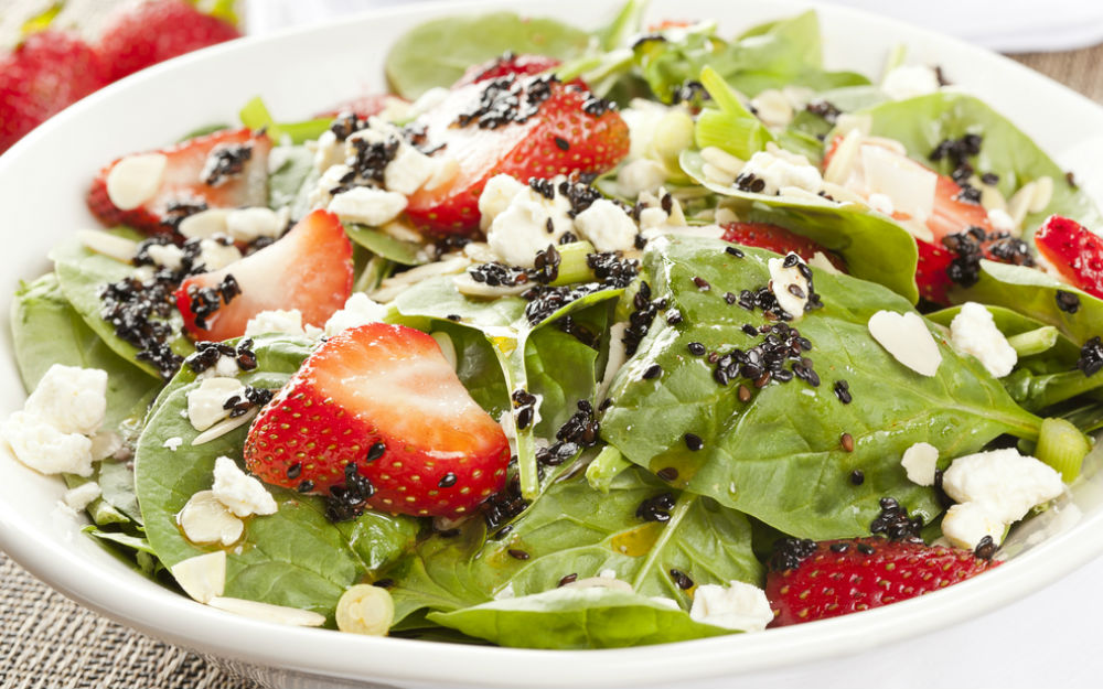 Kuru Yemişli Ispanak Salatası Tarifi