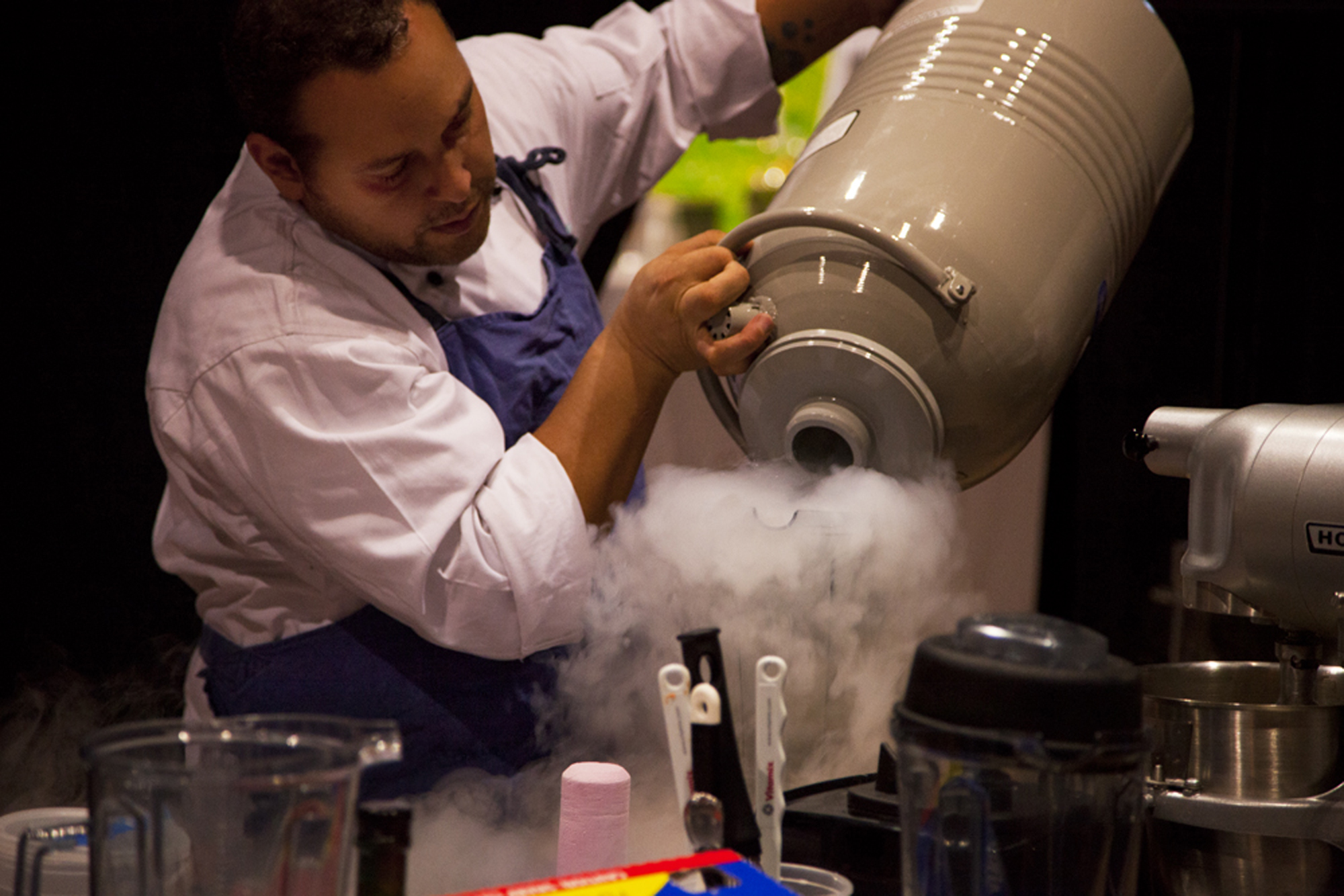 http://www.diningwithoutlaws.com/category/molecular-gastronomy/ | diningwithoutlaws - moleküler gastronomi şefleri