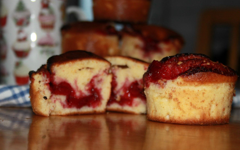 Vişne Dolgulu Limonlu Muffin Tarifi