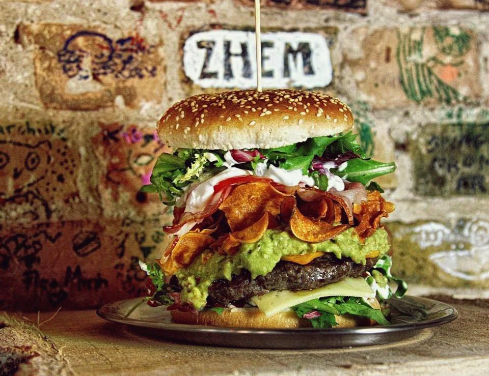 myplusonenet - berlin burger