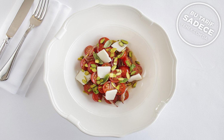 Fıstıklı Domates Salatası Tarifi